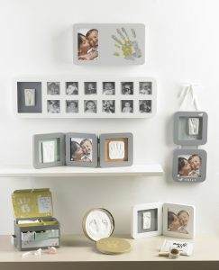 34120085 Baby Art My First Year Print Frame White Grey image 2 243x300 Baby Art Casting Sets: The Perfect Gift for Christmas!