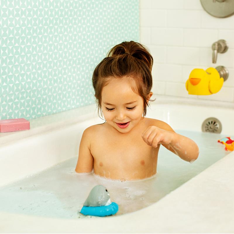 Spinner Bath Toy by Munchkin