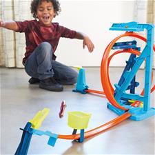Distributor of Hot Wheels Track Builder Infinity Loop Kit