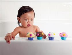 Munchkin Bath Squirters Cup Cake 4Pk