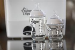 Baby products distributor of Tommee Tippee Closer to Nature Glass Bottle 250ml