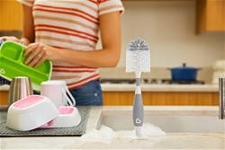 Baby products wholesaler of Munchkin Bristle Bottle Brush