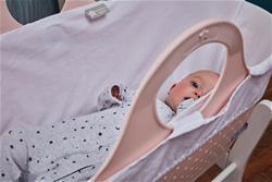 UK distributor of Tommee Tippee Sleepee Basket & Stand - Gentle Pink