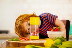 UK supplier of Munchkin Miracle 360 Fruit Infuser Cup Yellow 14oz